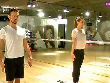 Imagini spectaculoase cu Andreea Raicu la yoga! Simpatica vedeta, in pozitii incredibile!