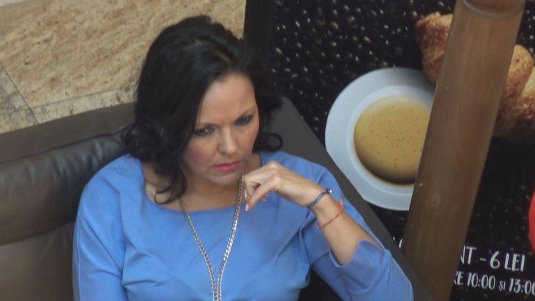 O mai tii minte pe Manuela Fedorca? Uite cum arata acum cantareata de 45 de ani. VIDEO EXCLUSIV!
