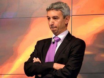"""Dantura lui Dan Diaconescu i-a speriat pe invitatii de la o petrecere! Cum explica fostul patron de la OTV faptul ca este stirb: """"Dintii mei au migrat"""""""