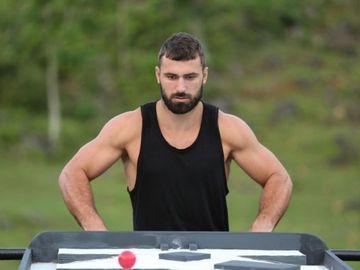 Andrei Stoica si-a recapatat masa musculara! Uite cum arata abdomenul sau dupa ce a introdus proteine in alimentatie