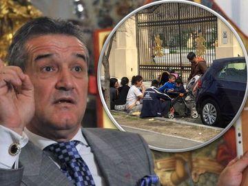 """Ce se intampla ACUM in fata palatului lui Gigi Becali! Zeci de rromi il asteapta pe milionar sa-i ceara ajutorul. """"Dormim aici, ca s-a facut cald"""""""