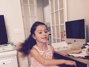 Nepoata lui Mircea Sandu a implinit 8 ani. Iata cum a aratat tortul fetitei Ralucai Sandu!