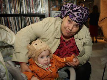 Cum a fost surprinsa in casa Ioana Tufaru alaturi de baietelul ei? Imaginile sunt emotionante
