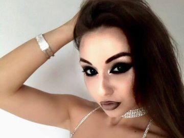 Fiica lui Corneliu Vadim Tudor a fost pipaita pe fund de o femeie! Vezi cum a reactionat Jeni! FOTO