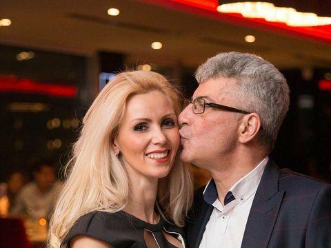 "E incredibil cum a ajuns sa o cunoasca Prigoana pe sotia lui, Mihaela! Blonda a povestit tot: ""Intotdeauna mi-am dorit un barbat bogat, caruia sa nu-i lipseasca nimic"""