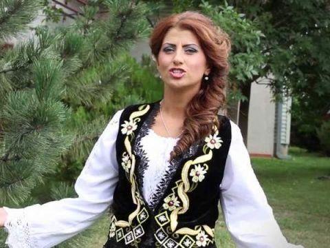 Interpreta de muzica populara Alina Radi a ramas paralizata