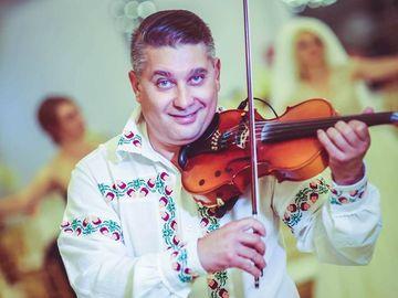 """Un celebru rapsod popular este pe patul de moarte, la doar 45 de ani! Prietenii violonistului Mitel Dragulin sunt disperati: """"Se zbate sa ramana in viata dupa o operatie foarte grea si un diagnostic crunt!"""""""