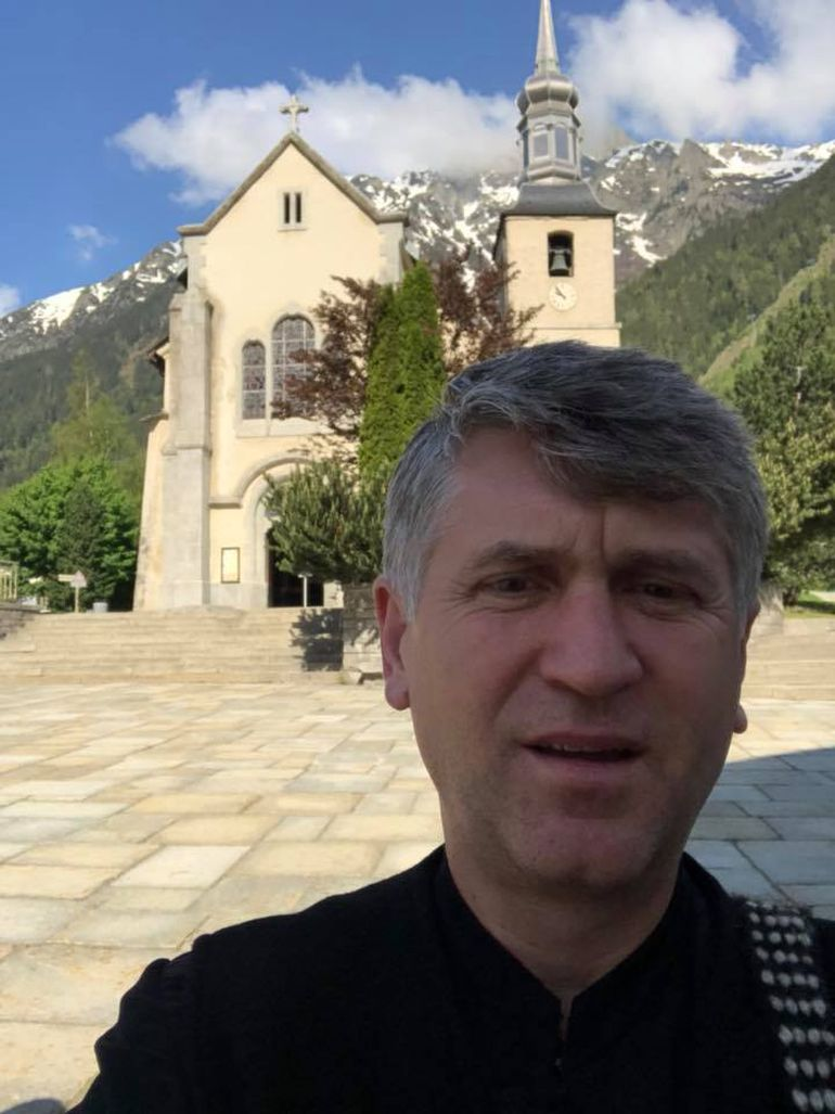 Cristian Pomohaci a botezat o fetita! Fostul preot a devenit parinte spiritual
