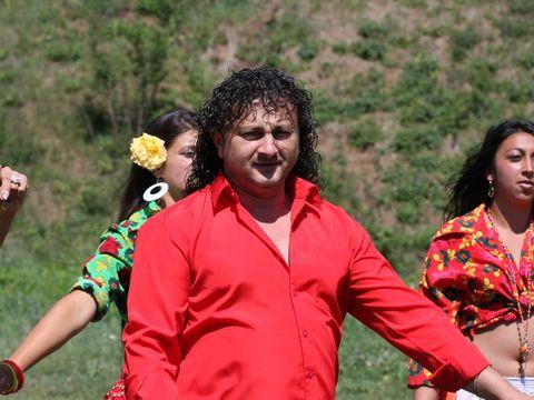 """Cine e manelistul care ii face concurenta lui Nicolae Guta? """"Am opt copii cu trei femei"""""""