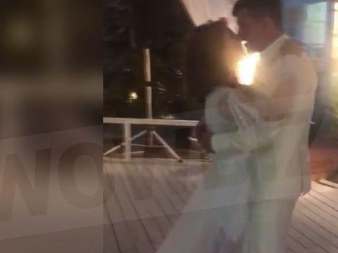 Adina si Alex Bourceanu, sarut pasional pe ringul de dans! Cum au fost surprinsi in noaptea nuntii   EXCLUSIV