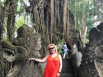 Mihaela Tatu si-a petrecut vacanta intr-un paradis exotic din Oceanul Indian! Vezi cum s-a rasfatat fosta vedeta de televiziunein insula Bali!