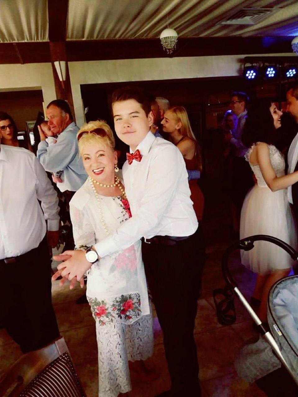 O celebra solista de muzica populara este maritata cu un politician! Vezi ce avere are Sava Negrean Brudascu!