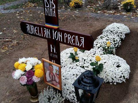 A cantat cu lacrimi la mormantul lui Aurelian Preda, iar acum s-a stins si ea! Mesajul sfasietor care a aparut dupa moartea ei