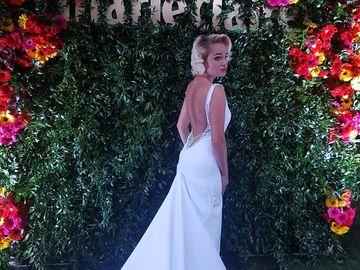 Maria Constantin a facut fixatie pentru rochiile de mireasa! Cum a aparut la o petrecere desfasurata in aer liber FOTO