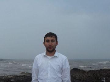 Fernando de la Caransebes, botezat in apele oceanului! Manelistul s-a pocait si a intrat intr-o comunitate religioasa a romanilor din Dublin