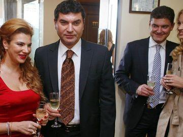 Valentina Pelinel a pus mana si pe Cristi Borcea, dar si pe toata averea lui! Fostul manechin controleaza astazi si afacerile de care se ocupau initial Mihaela Borcea si Alina Vidican!