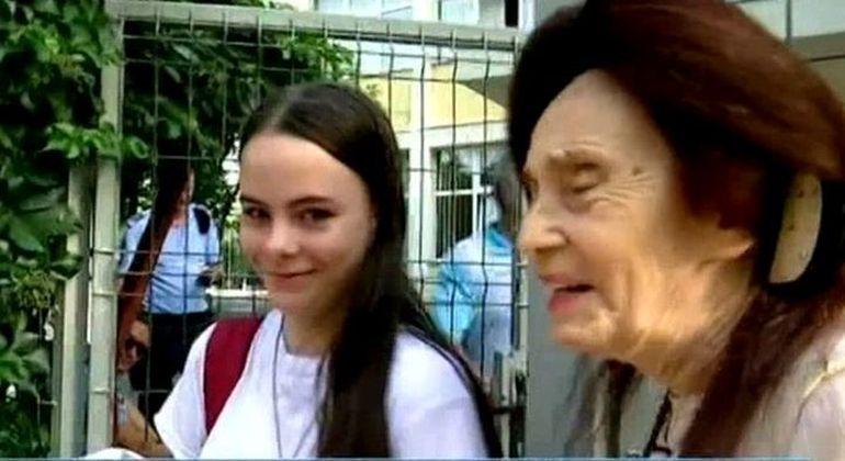 Eliza, fata celei mai batrane mame, nu a reusit sa ajunga la liceul unde isi dorea! O noua dezamagire pentru Adriana Iliescu