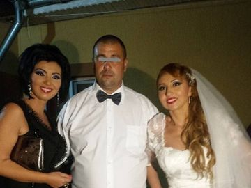 Cumnatul lui Bahmu, aparitie de senzatie la plaja in Snagov! Constantin este casatorit cu Anca, sora vedetei FOTO