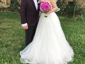 S-au casatorit! Un cuplu indragit de multi telespectatori a ajuns in fata altarului