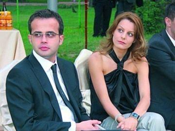 Sotia lui Mihai Gadea s-a lasat pe mainile unui barbat priceput! Frumoasa Agatha face masaj pentru recuperare fizica