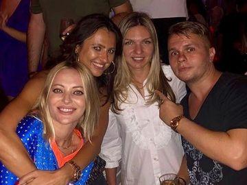 """Delia si Codin Maticiuc s-au rugat de Simona Halep sa faca poza in club cu ei! Ce-a urmat apoi e fabulos: """"Simona, esti singura femeie care m-a facut sa simt ceva"""""""
