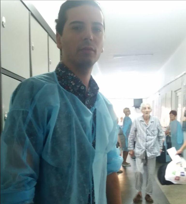 Soc pentru un artist cunoscut! Romanul care canta cu celebra Laura Zapata a ajuns la spital, direct de la filmari. Vezi ce a patit indragitul Radhu