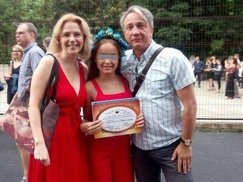 Fata Ralucai Moianu, prima zi onomastica fara tatal ei, Marius Ancuta! Celebrul comentator de snooker a murit la 50 de ani, rapus de o boala crunta