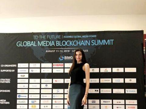 Mr Pink, mandru foc de iubita lui! Monica Gabor a tinut un speech la Global Media Blockchain Summit 2018