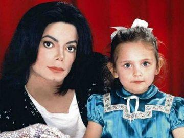 Paris, fiica lui Michael Jackson a ajuns pe masa de operatie si a trecut prin chinuri groaznice
