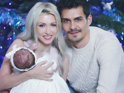 """Clipe de cosmar pentru Andreea Balan! A ajuns cu fetita de urgenta la spital: """"I-au pus perfuzii, mi s-a facut si mie rau"""""""