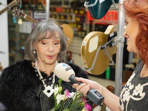 Marina Voica a mancat naftalina si a ajuns de urgenta pe mainile medicilor
