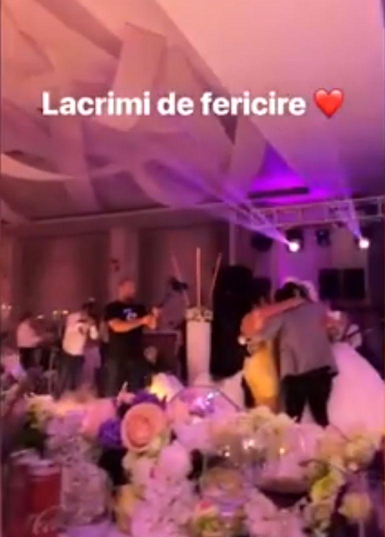 Adrian Minune a fost nas la nunta propriului frate. Imagini fabuloase de la eveniment. Uite ce rochie provocatoare a purtat Carmen!