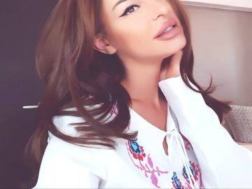 Ana Mocanu si-a schimbat look-ul! Dupa ce si-a mai facut o interventie estetica, fosta asistenta TV i-a uimit din nou pe fani