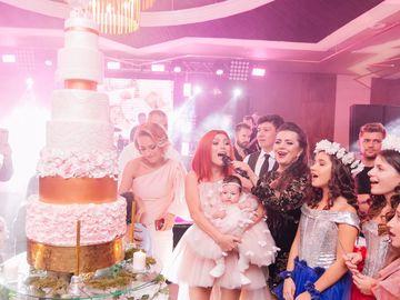 Meniu de 5 stele pentru petrecerea de turta a fetitei Elenei Gheorghe!