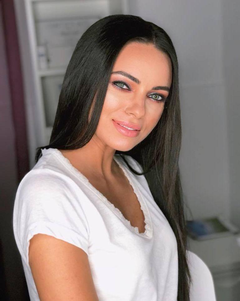 Ea a fost partenera de scena a lui Ciprian Silasi de la Exatlon! Cantareata a castigat un concurs de Miss