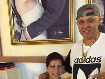 """""""Sultana"""" lui Nicolae Guta si-a facut cont de Facebook! Mariana este femeia care l-a facut de 4 ori tata pe manelist"""