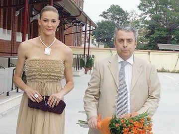 """S-a aflat cine e femeia cu care a fost înşelată Roxana Ciuhulescu de fostul soţ! Sunt încă împreună! """"A agăţat-o chiar de ziua Roxanei"""""""