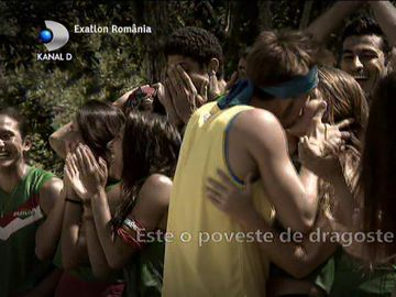 Exatlon 25 octombrie. Primele imagini cu sărutul dintre războinicului Iulian şi Ana Laura! Prezentatorul mexicanilor, reacţie neaşteptată