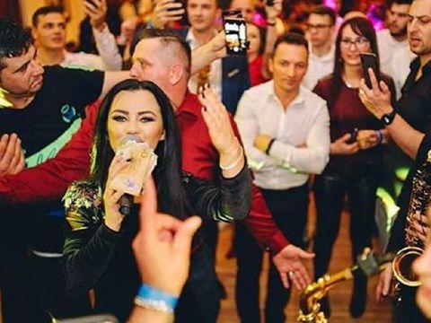 Câţi bani câştigă Carmen de la Sălciua la cântări! Artista primeşte sume fabulose