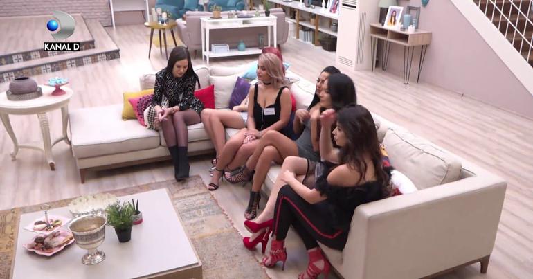 """Ei sunt cei 12 concurenţi care îşi caută iubirea, la """"Puterea Dragostei""""! Astăzi, la Kanal D, la ora 10:00, a debutat show-ul matrimonial prezentat de Kanal D"""