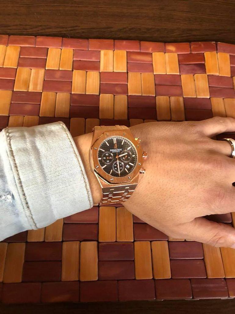 """Fiul lui Nicolae Guţă îşi vinde ceasurile de lux la reducere: """"Preţ de Black friday!"""""""