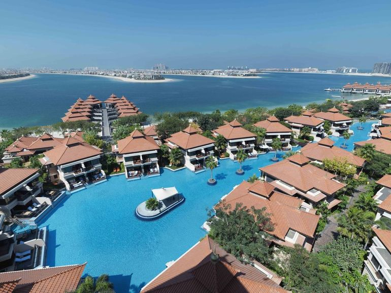 """Incredibil! În Paradisul ăsta a stat Bianca Drăguşanu cu iubitul bogat în Dubai!  Camera era """"doar"""" 1000 de euro pe noapte şi arăta fabulos!"""