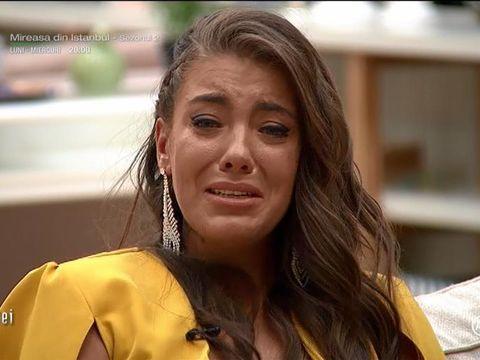 """Drama cutremurătoare a Roxanei, noua concurentă de la """"Puterea dragostei""""! A plâns în hohote când a povestit"""