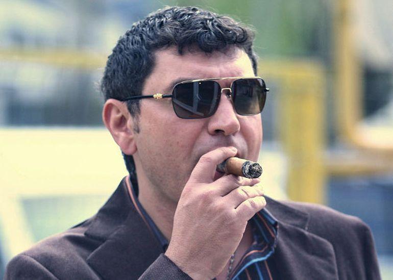 Cristi Borcea e copiat de actualul iubit al Mihaelei, fosta sa soţie! Sorin Rap a început să fumeze trabuc, la fel ca afaceristul!