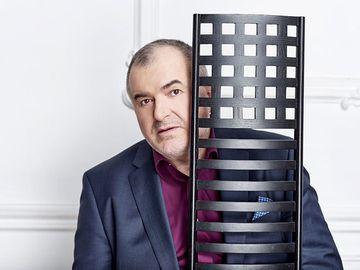 Afacerile lui Florin Călinescu l-au umplut de datorii! Câştigurile celebrului prezentator s-au prăbuşit de la milioane de euro la câteva mii de lei!