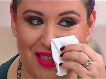"""Prin ce dramă a trecut Oana Roman chiar în Ziua Centenarului? Uite cum plânge şi cât suferă fosta prezentatoare tv. """"Ne înjură, ne blamează""""  FOTO!"""