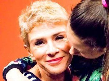 """Teo Trandafir, mărturisiri din viaţa personală! Relaţia pe care o are cu fiica sa adoptivă şi cât a pătimit prezentatoarea din iubire: """"Am plecat de acasă de la mine în ziua în care n-am mai suportat"""""""