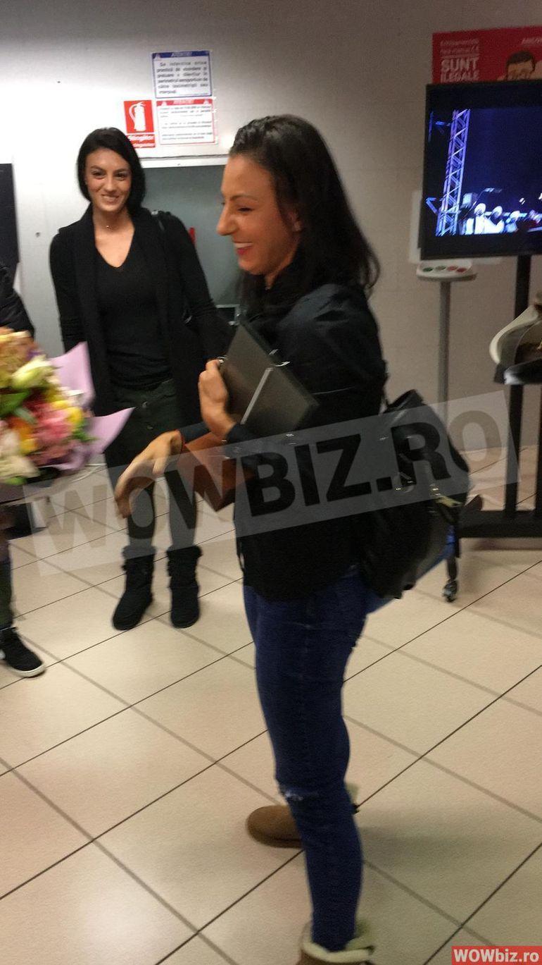 """Secretul cutremurător din spatele apariţiei Cristinei Nedelcu la aeroport îmbrăcată în negru! Motivul pentru care """"faimoasa"""" s-a întors din Republica Dominicană  în doliu! EXCLUSIV"""