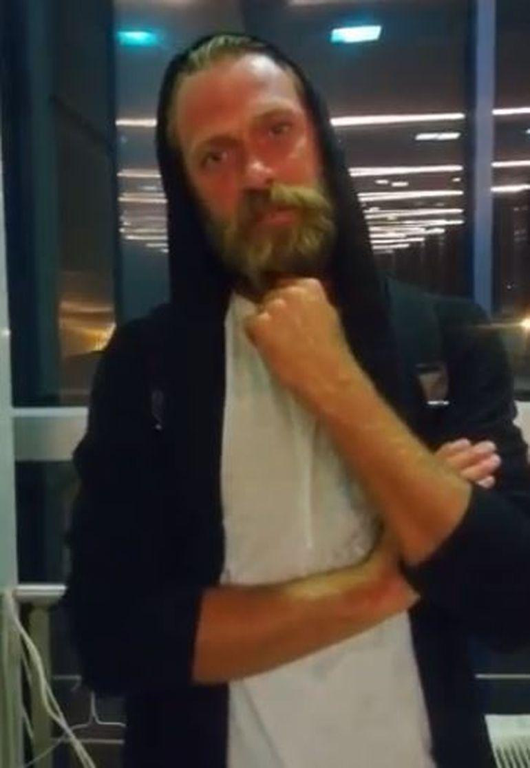 Cristi Pulhac de la Exatlon a ajuns în România! Primul interviu cu faimosul, din aeroport