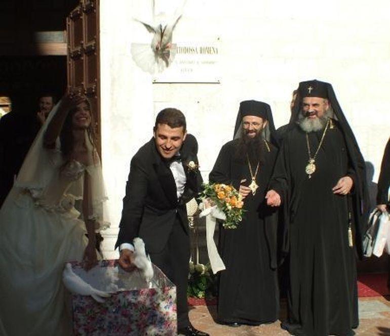 Preafericitul Daniel a oficiat nunta din Toscana a unui milionar român! În 2007, invitat de afaceristul Iulian Dascălu, Daniel a mai petrecut 10 zile de concediu în Italia